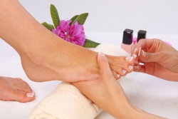 CURSO DE PEDICURA – 20 Horas